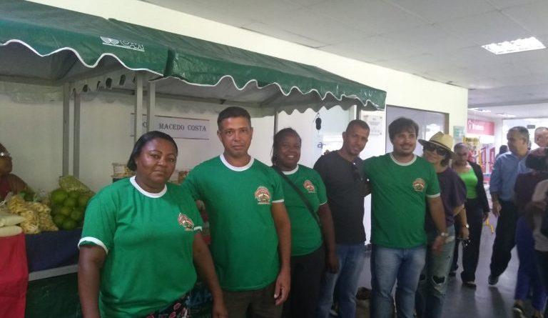 Prefeitura Municipal de Dom Macedo Costa, através da Secretaria de Agricultura, representados pelos agricultores participaram de 02 (duas) Feiras no DIA MUNDIAL DA ALIMENTAÇÃO