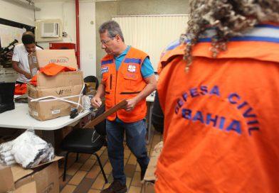 Defesa Civil da Bahia organiza equipamentos para limpeza de óleo nas praias
