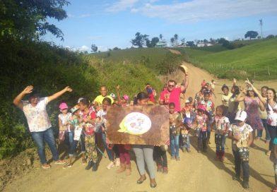 DOM MACEDO COSTA: A 3ª Cavalgada de Cavalo de Pau com os alunos das Escolas Municipais Bom Jesus da Lapa, Anjo da Guarda e Eudaldo Pio Barreto, na localidade da Jangada