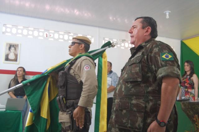 DOM MACEDO COSTA: Cerimônia de entrega de certificado de dispensa de incorporação (CDI) do Exército Brasileiro.